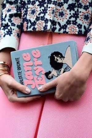 We love! La tendencia de los 'book clutch'.