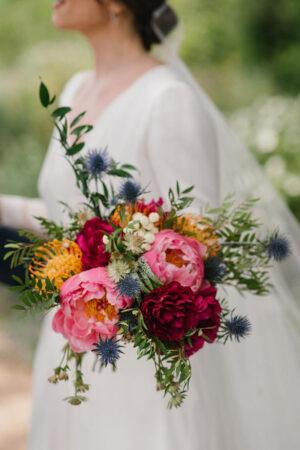 12 ideas en ramos de novia de lo más coloridos y alegres para lucir en las bodas de verano.