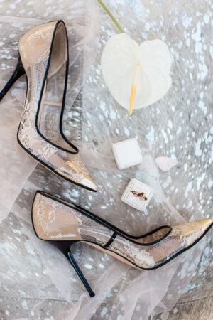 Un must have para novias: Los accesorios exclusivos y con un toque de color.