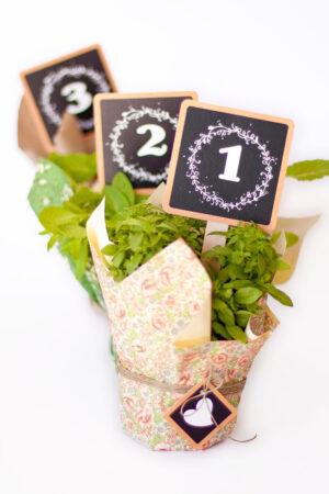 Hazlo tú mismo: Plantilla descargable con números efecto pizarra para las mesas de la boda.