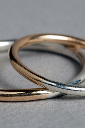 Las alianzas de boda en oro ecológico de Lia Terni.