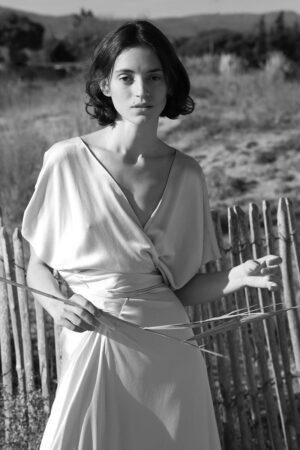 La belleza natural y atemporal de los vestidos de novia de Cortana.