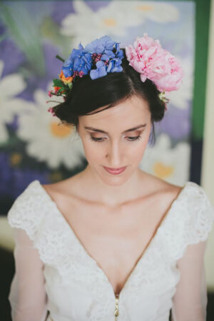 Corona de flores para novias.