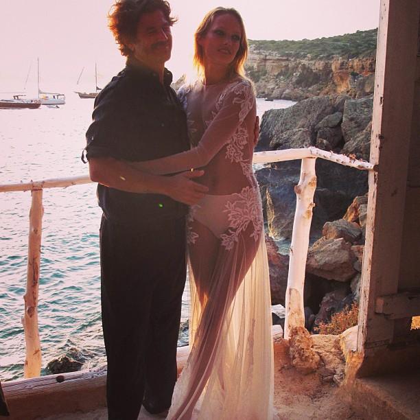 La tendencia de los vestidos de novia transparentes o naked dress