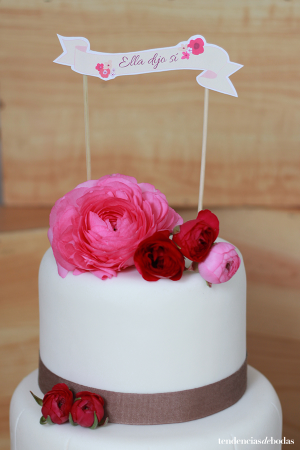 "Tendencias de Bodas Magazine : DIY cake topper ""Ella dijo sí"""
