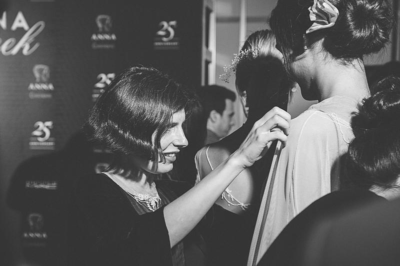 Fotos exclusivas del backstage de Natalie Capell.