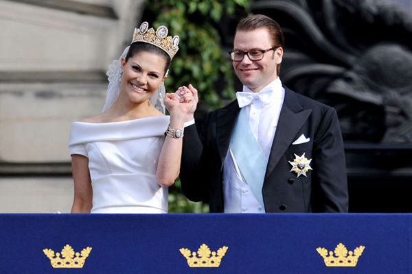 Royal wedding : Princess Victoria of Sweden : Wedding dress : Tendencias de Bodas Magazine