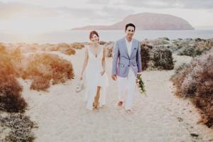 La boda en la playa de Dara y Willy en la isla de La Graciosa.