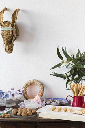 Una mesa de dulces (para bodas de Navidad) con sabores tradicionales.