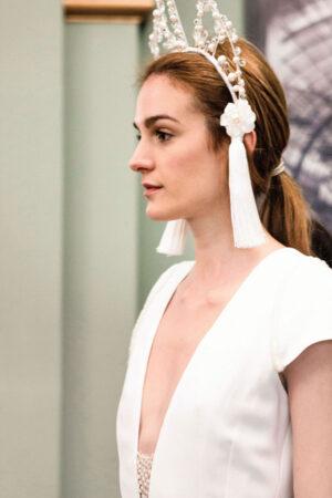En el fitting de 'Tentaciones', la colección de vestidos de novia e invitadas de Laura Lomas.
