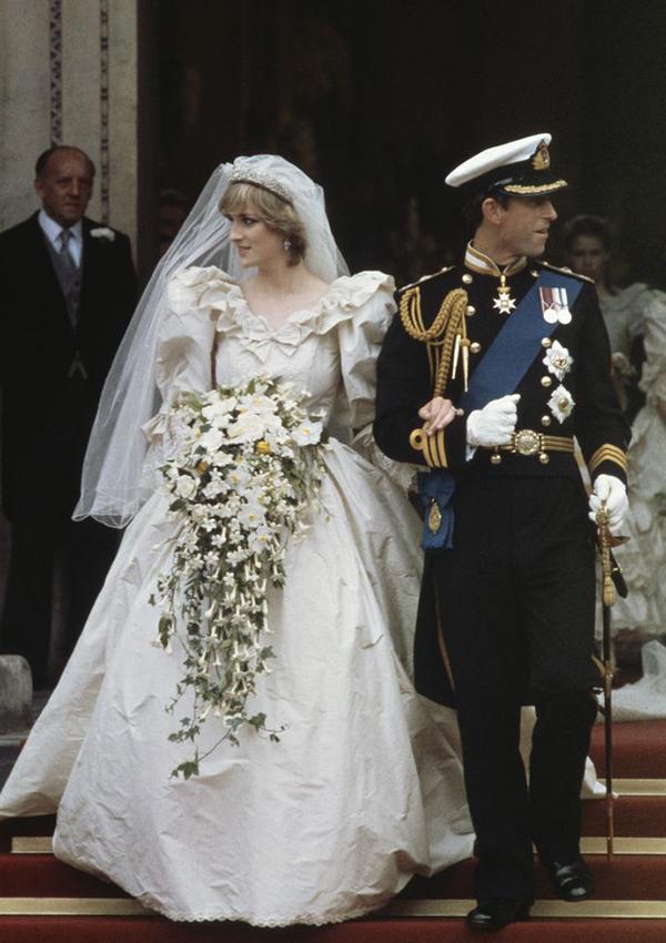 Diana Spencer Y El Vestido De Novia Que Marcaría La Década