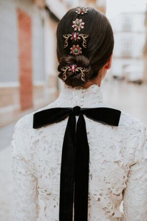 29 peinados recogidos con tocados para novias.