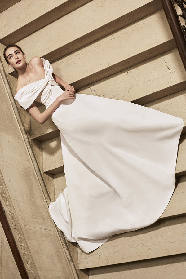 Vestido de novia de Carolina Herrera : Colección 2019 NYBW : Tendencias de Bodas Magazine