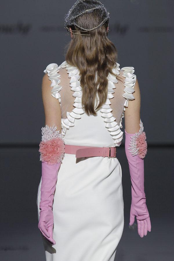 Isabel Zapardiez : Vestido de novia colección 2019 : Tendencias de Bodas Magazine