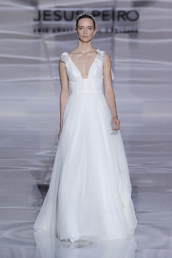 Jesús Peiró : Vestido de novia colección 2019 : Tendencias de Bodas Magazine