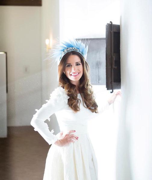 Dánae Tobajas Costura : Patricia, la novia con pantalón y sobrecapa.
