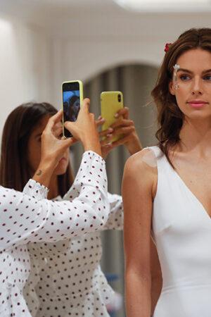 Pronovias y la estilista Raquel Costales nos cuentan sus trucos para un maquillaje de novia 'flash'.
