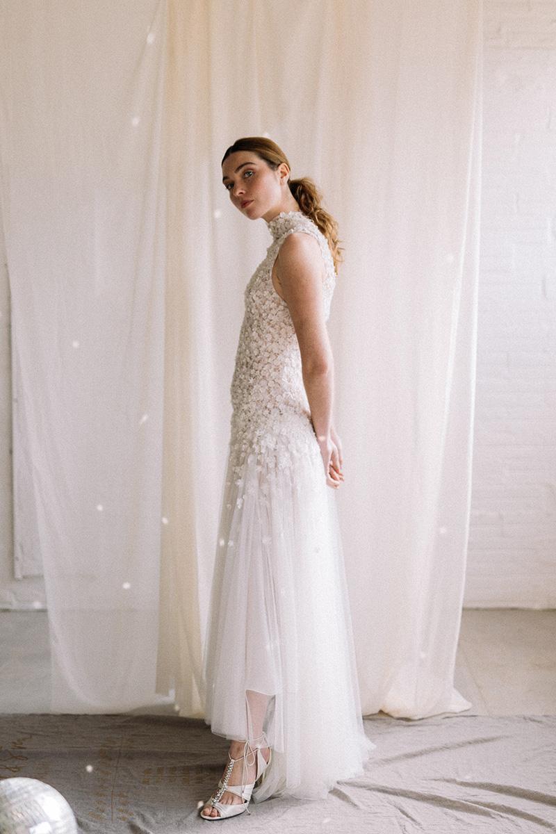 Vestido de novia flowy en tul de Santos Costura