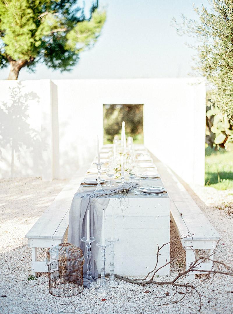 Organic and minimal wedding decor ideas