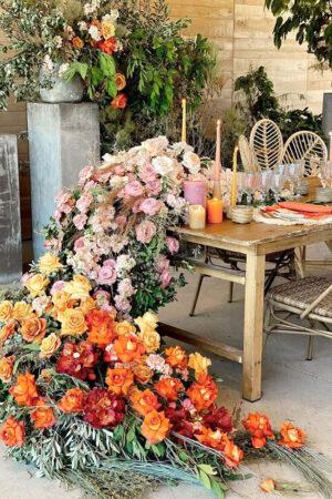 5 decoraciones de mesas (a todo color) para bodas de verano que son el último flechazo en Instagram.