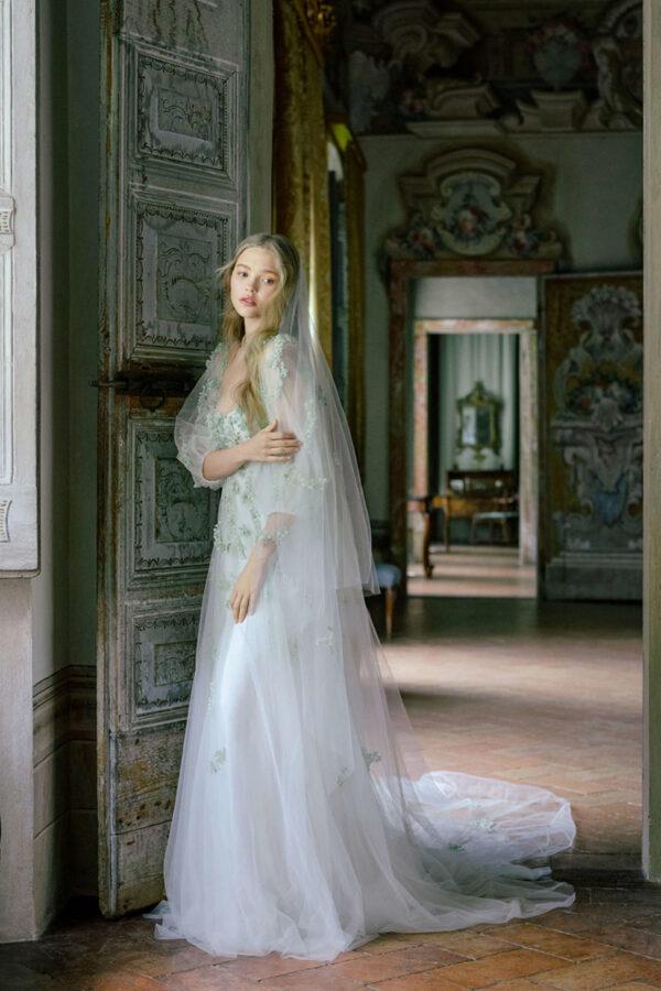 Vestido de novia de Monique Lhuillier – Tendencias de Bodas Magazine & Blog