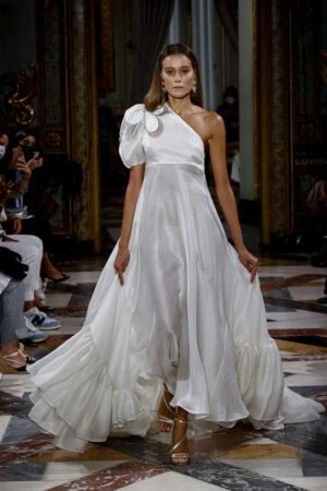 Atelier Couture, celebra su edición más difícil y sigue apostando por la moda nupcial de autor.